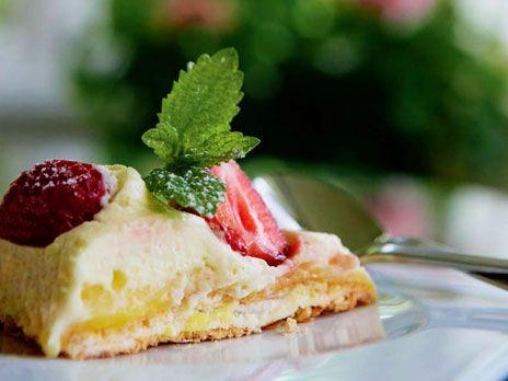 Pavlova med lemon curd | Recept från Köket.se