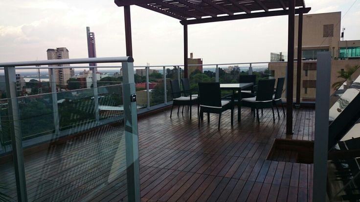 Deck en altura terraza con deck y pergola de lapacho se - Pergola en terraza ...