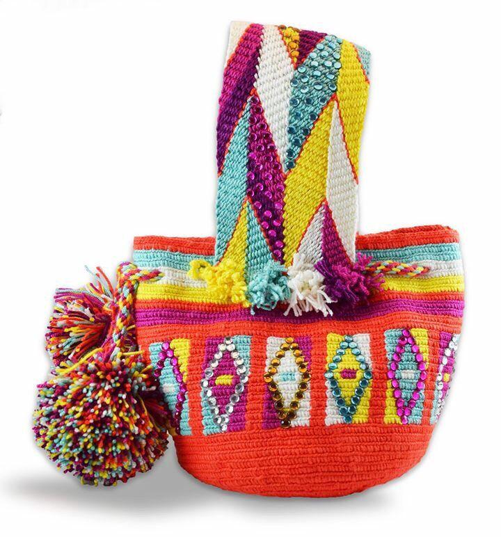 Mínimochila Wayuu decorada con cristales