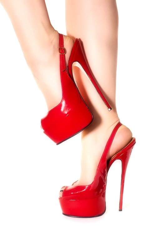 17 Best images about Red Hot Shoes! on Pinterest | Ladies shoes ...