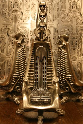 I want this chair!!! H.R.Giger