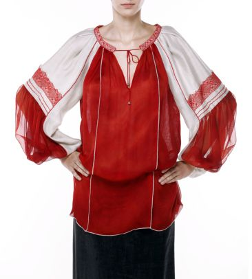 Valentina Vidrascu http://www.gabiurda.ro/cum-sa-te-imbraci-la-teatru-opera-sau-ateneu/