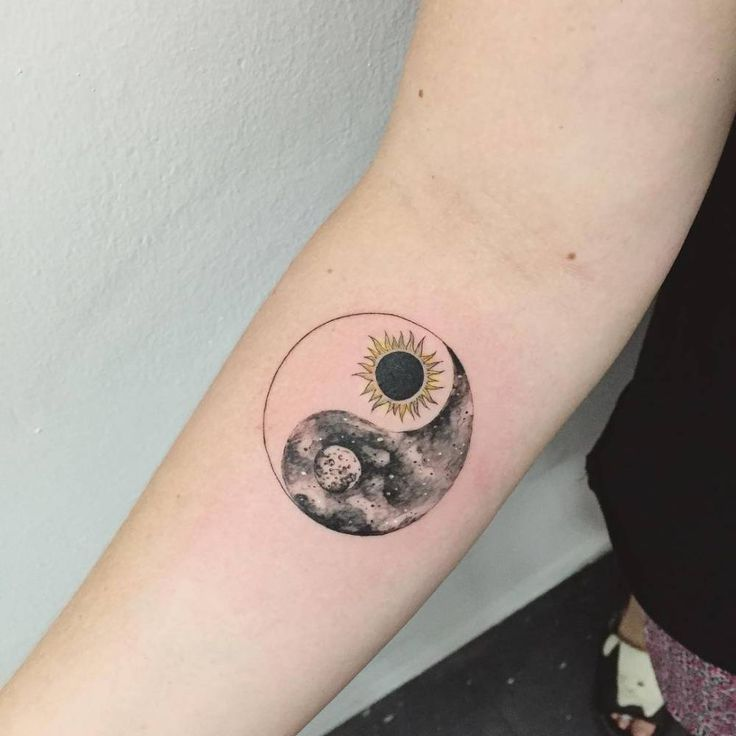 Yin Yang Tattoo Dark Skin: Images Of Sun And Moon Tattoos - Images ...