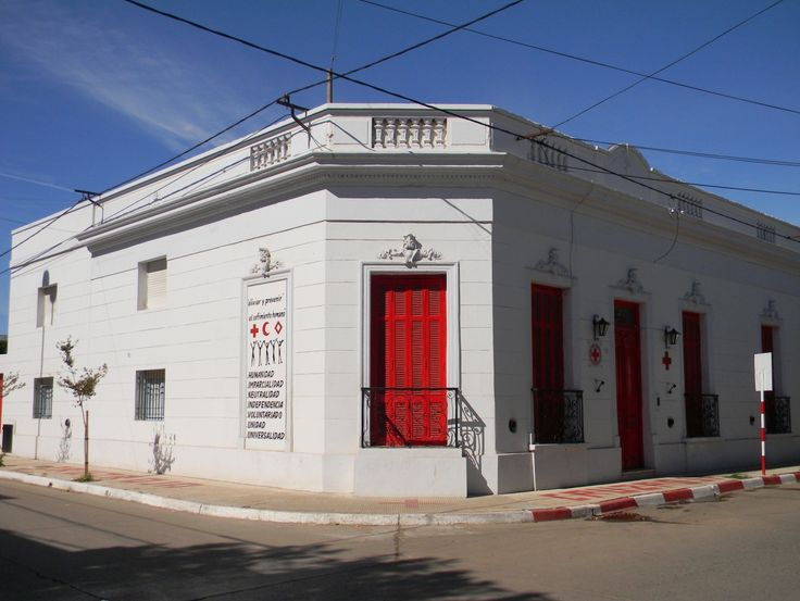 Esquina R.E. de San Martín y 9 de Julio: Cruz Roja Argentina Filial Gualeguay. Janet Ducret, estudiante de 1º año 1ª división Profesorado Educación Primaria