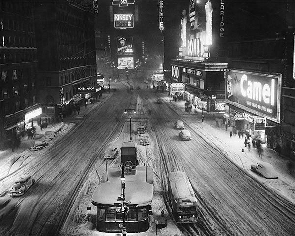 Times Square in Snow, 1930s New York City #TheNanceBway