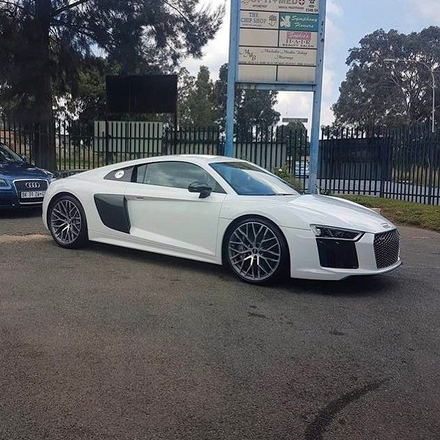 Gotta go with the Plus option when buying your new R8  Captured by @jamaine_m1  #ExoticSpotSA #Zero2Turbo #SouthAfrica #Audi #R8 #V10Plus