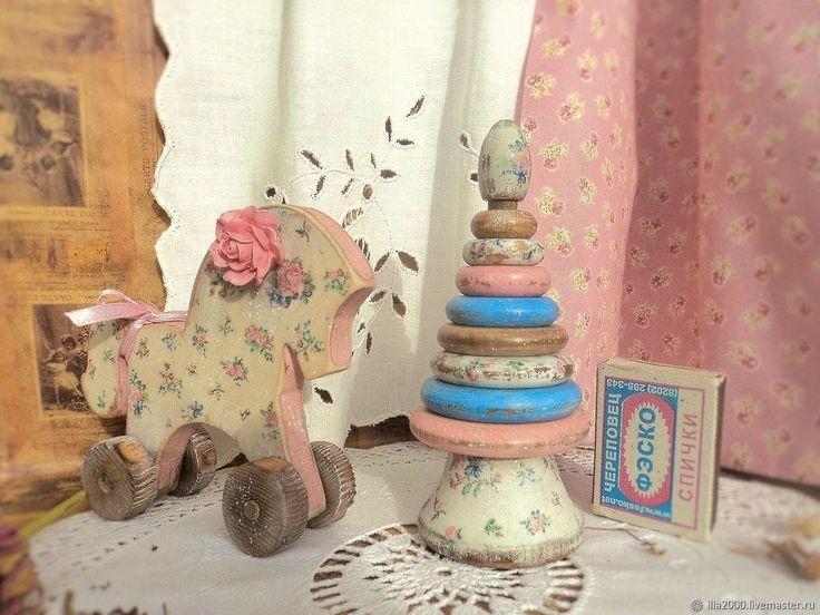 """Купить Детский набор """"Прованский ситчик"""" (пирамидка и лошадка) в интернет магазине на Ярмарке Мастеров"""