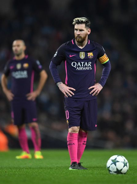 Lionel Messi of Barcelona lines up a free kick during the UEFA Champions League Group C match between Manchester City FC and FC Barcelona at Etihad Stadium on November 1, 2016 in Manchester, England.