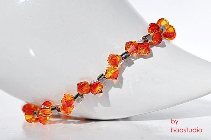 Swarovski bicone bracelet - delikatna, urocza bransoletka z kryształów SWAROVSKIEGO - BICONE FIREOPAL i japońskich koralików MIYUKI. Przepięknie lśni w każdym promieniu światła. www.facebook.com/BooStudioHandMade
