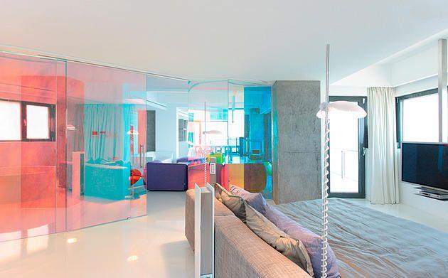 Draft-Glass - изготовление стекла и зеркала на заказ, фотопечать   Цветные стеклянные перегородки в интерьере