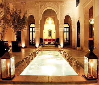 AhhhhEmblemat Moroccan, Riad Fes, Favorite Places, Moroccan Arches, Art De, Morocco, Moroccan Art, Luxury Hotels, Courtyards