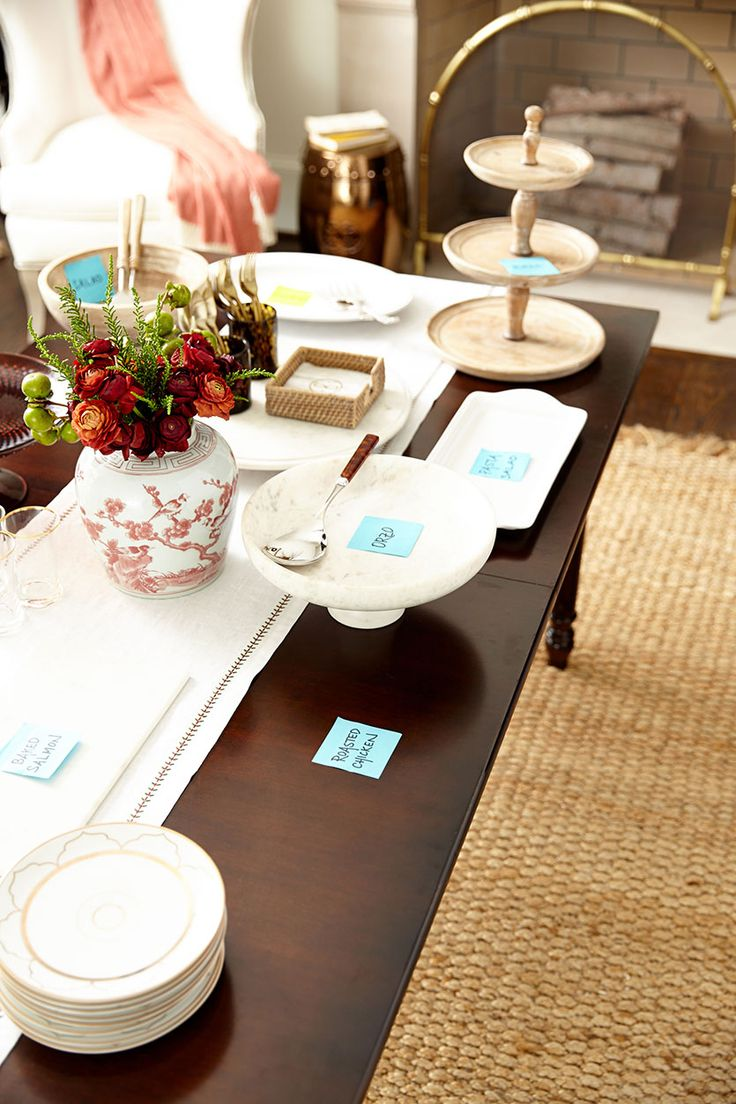 Tips for setting up a buffet? Use post it notes to map everything out!