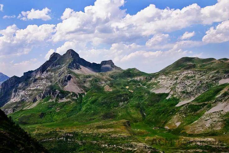 1000+ ideas about Mountain Range on Pinterest | Hunza ...