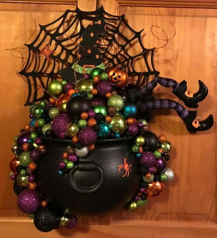 Clever And Unique Halloween Witch's Cauldron Wreath