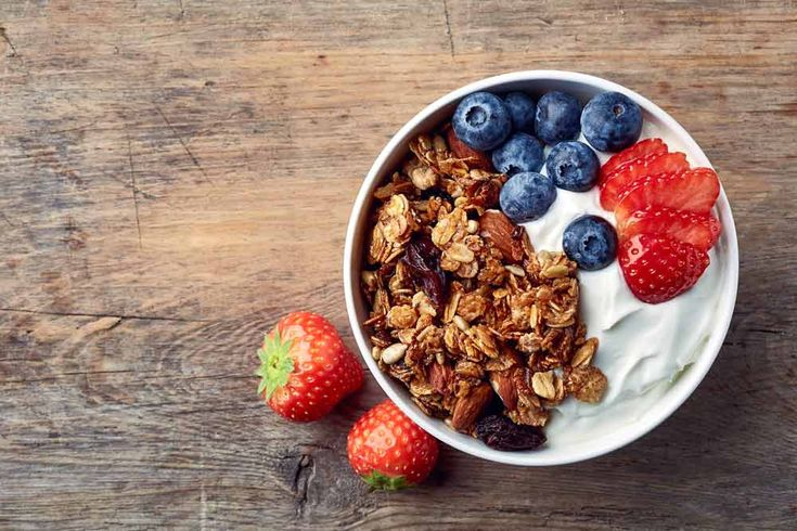 You might wonder whether ALL yogurt contains probiotic bacteria. Here's the scoop. #yoğurt #probiotic