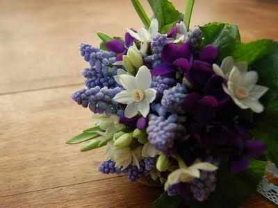 muscari paperwhites and violets...dainty posy