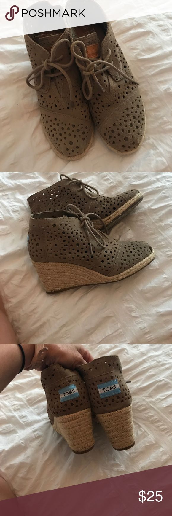 Toms wedge booties Adorable greenish gray booties size 5 EUC Toms Shoes