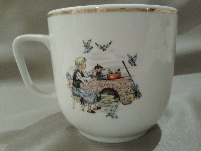 HOLLÓHÁZI PIROSKA ÉS A FARKAS GYERMEK BÖGRE - Porcelán | Galéria Savaria online piactér - Antik, műtárgy, régiség vásárlás és eladás