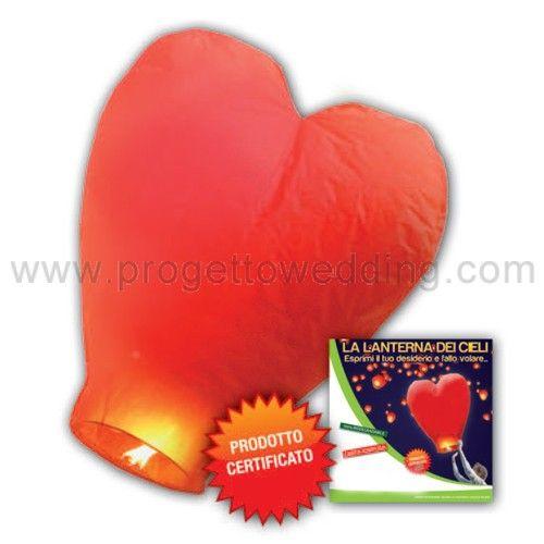 Lanterna a forma di cuore rosso.  In Promo: € 1,90  Tradizionalmente usate nelle celebrazioni cinesi e thailandesi, queste lanterne sono un modo bello ed affascinante per illuminare la notte del vostro evento.