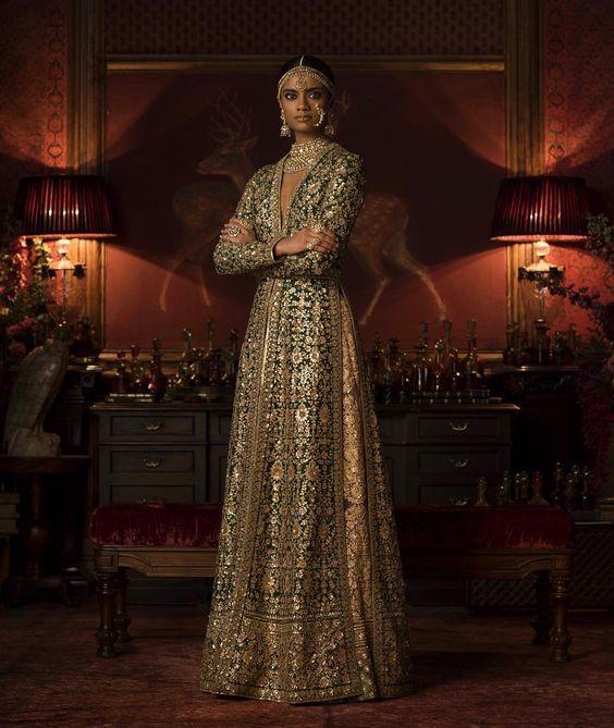 die besten 25 pakistanische couture ideen auf pinterest bollywood kleid pakistanisch und. Black Bedroom Furniture Sets. Home Design Ideas