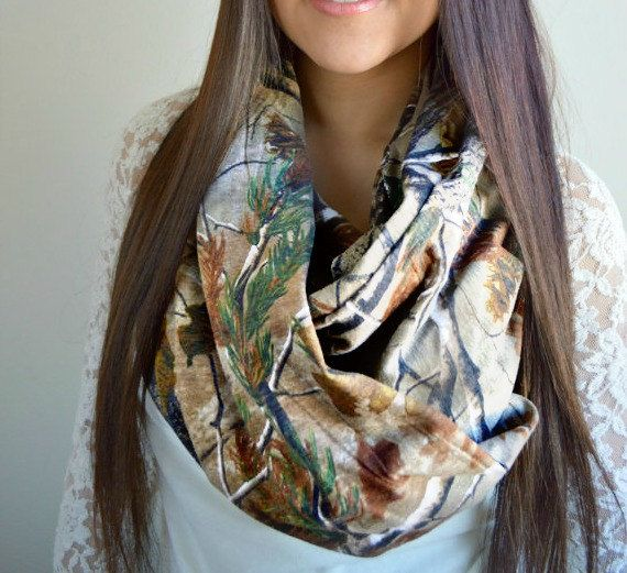 Soft Real Tree Camouflage Infinity Jersey knit Scarf. Loop once or twice.    Size:    Circumference: 70    Width: 30    Best wash instructions: