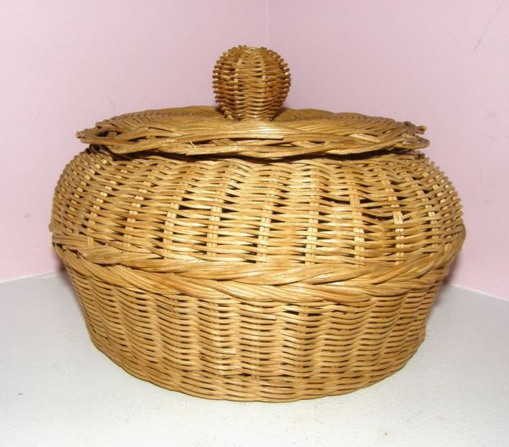 VINTAGE ANTIQUE WOOD SEWING BOX WOVEN BASKET  49$