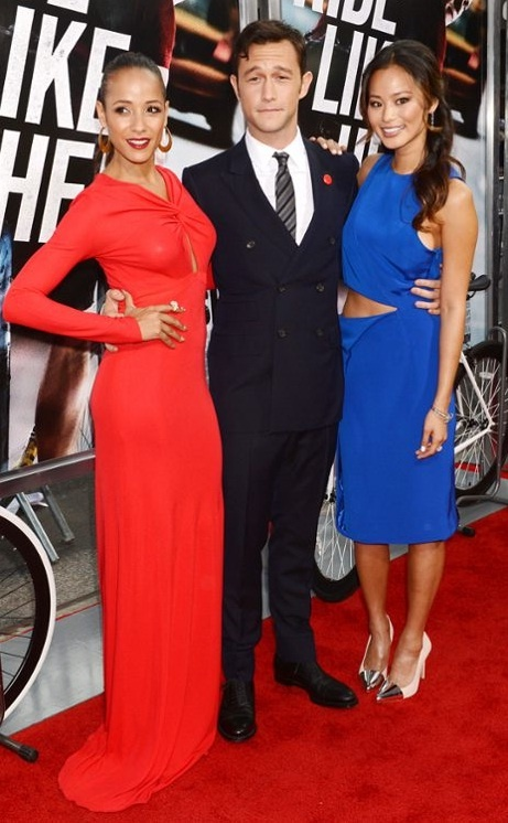 Joseph Gordon-Levitt, Dania Ramirez, and Jamie Chung make a good looking trio at the premiere of their movie, Premium Rush