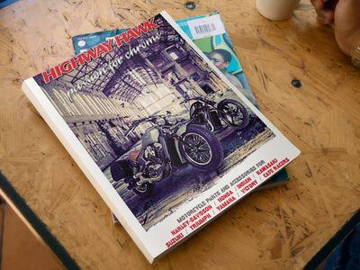 O novo Catálogo da HIGHWAY HAWK já está disponível no site da Lusomotos!  Projetada na Holanda, a paixão da Highway Hawk reflete-se na conceção dos guiadores, poisa-pés, escapes, acessórios elétricos entre outros. Com uma vasta gama de produtos para as marcas de motos mais conceituadas no mercado, há sempre algo que combina consigo e com a sua moto.   #highwayhawk #lusomotos #download #catálogo #custom #customização #highway #hawk #estilodevida #motoevolution