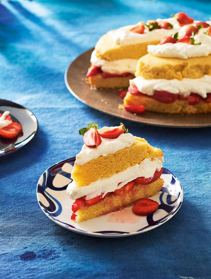 This Canada Day, turn off the oven and make this delicious strawberry shortcake in your slow cooker instead! Photo by Jodi Pudge.