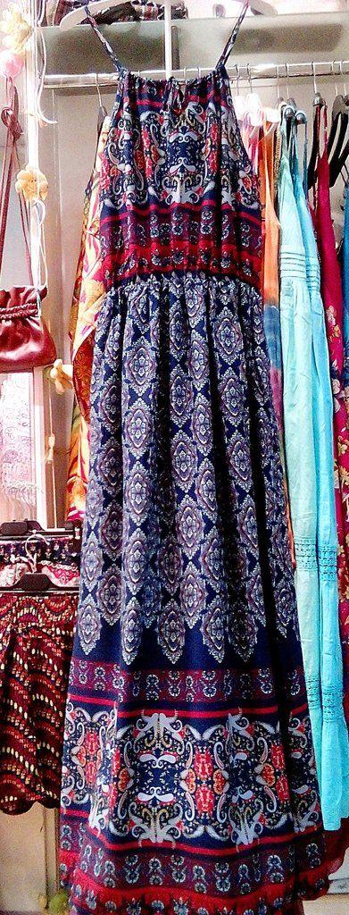 Mακρύ φόρεμα σε έθνικ γραμμή