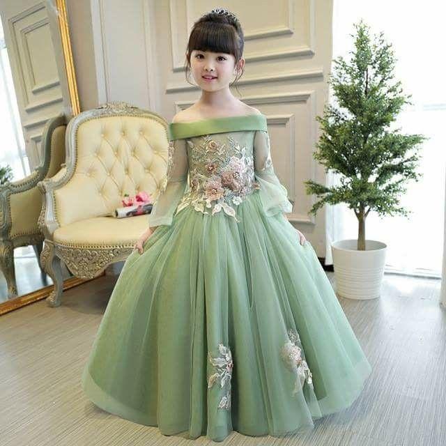 4dac7efc9 Pin by Parween Ndll on Flower girl dresses