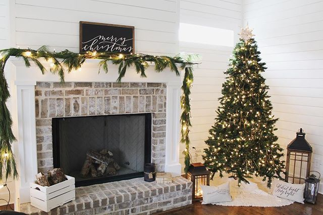 We are installing our gas fireplace logs this weekend  Can't wait to get those babies in! Fixin' to head to work but I wanted to play along with the girls hosting #talkjojotome who want to see our Christmas trees! Hosts tagged in photo ❤️ would @kaysemaass @theboxwood_diaries @mygreyskyehome like to share?