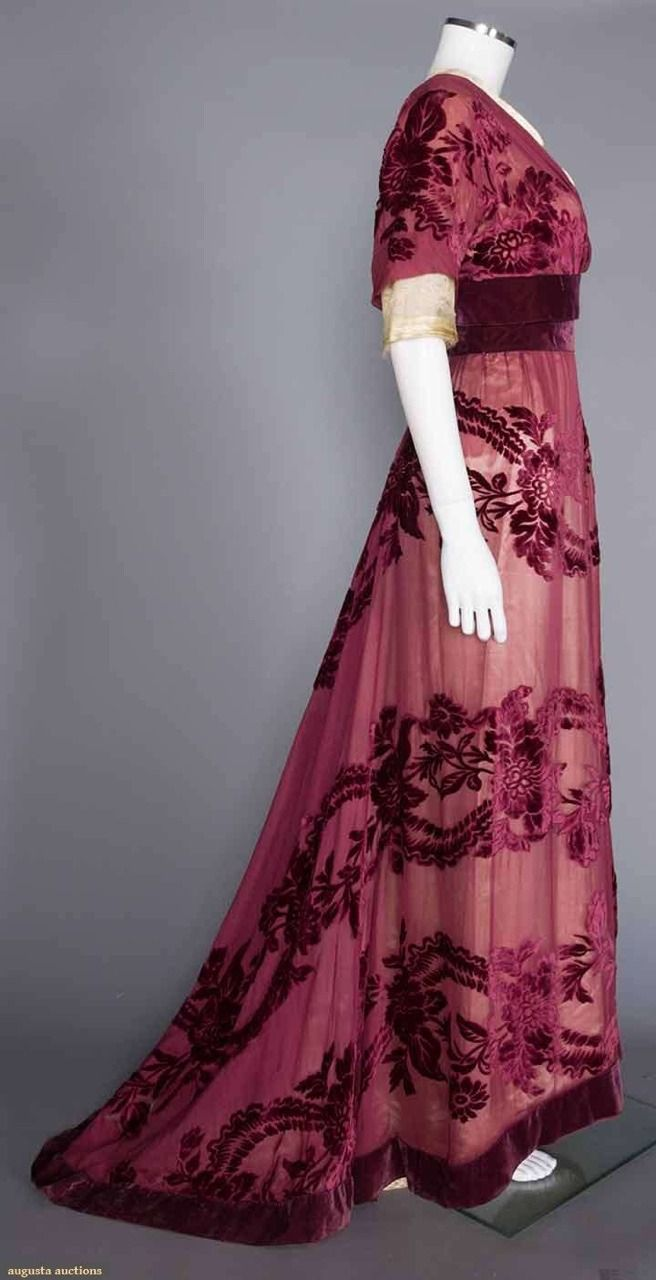 "ravensquiffles: "" Cut velvet gown by Worth 1908 Augusta Auctions """