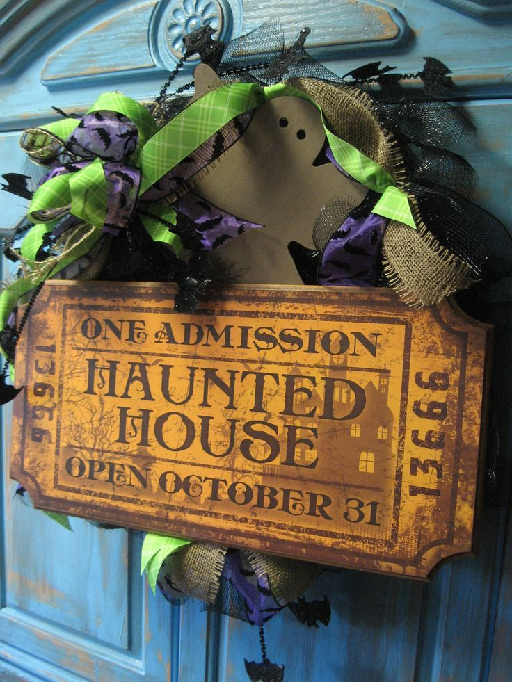 HAUNTED HOUSE TICKET large wreath w/ large bow, ghost, bats on black deco mesh wreath- Halloween wreath... absolutely love this!!!