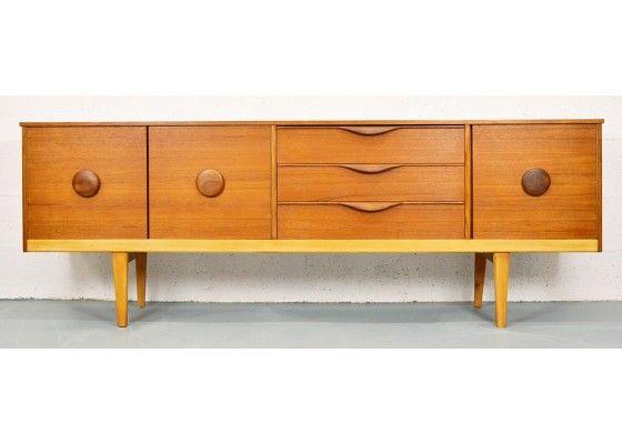 mid century teak sideboard mit runden griffen 1960er bei pamono kau home deco. Black Bedroom Furniture Sets. Home Design Ideas