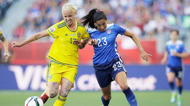 USA, Sweden battle to scoreless stalemate on June 12, 2015. (Caroline Seger of Sweden is challenged by Christen Press of United States.)