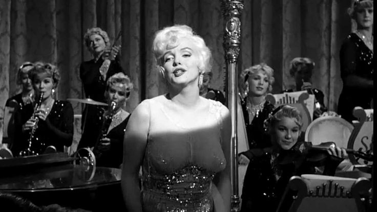 (HD) Marilyn Monroe - I Wanna Be Loved By You.From the film,Some Like It Hot,Co-Starring Tony Curtis and Jack Lemmon. A great comedy.
