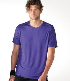 Don't we all love to be in our T-shirts all the time? At times, I wish if I could go to my office also in a T-shirt. It keeps me relaxed and comfortable. It also makes me feel sporty and keeps me energized.