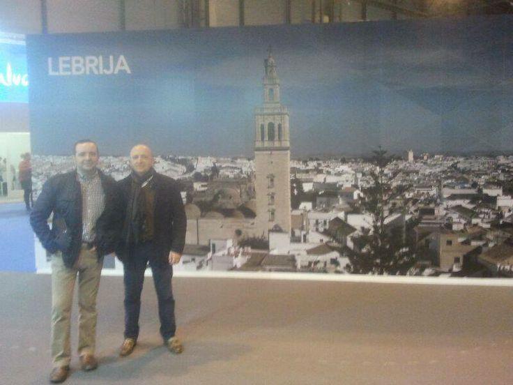 DESTINO LEBRIJA junto a más Lebrijanos en FITUR. Antonio Silva y Maximiliano.