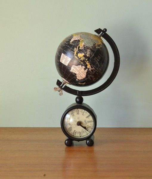 Vintage world globe clock metal base No 822