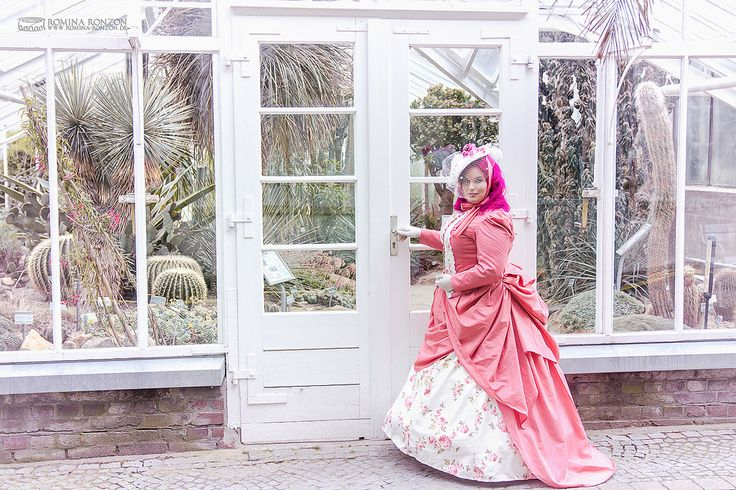 https://flic.kr/p/x3xACq | Sweet Victoria Colonial | Girl in her selfmade victorian dress in front of the old glasshouse in Münster's botanical garden. By Romina Ronzon www.romina-ronzon.de