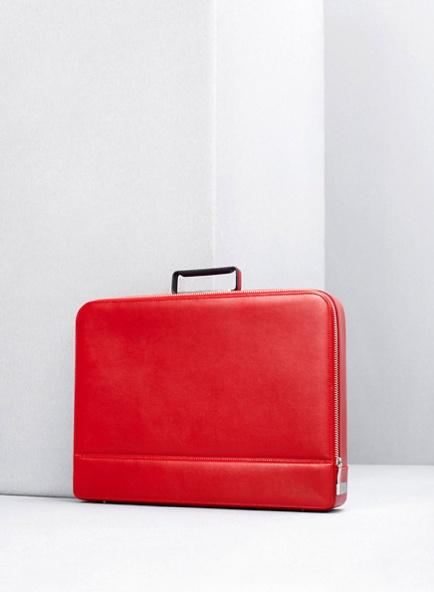 あなたを魅了する鞄、イタリアの老舗Valextra(ヴァレクストラ)