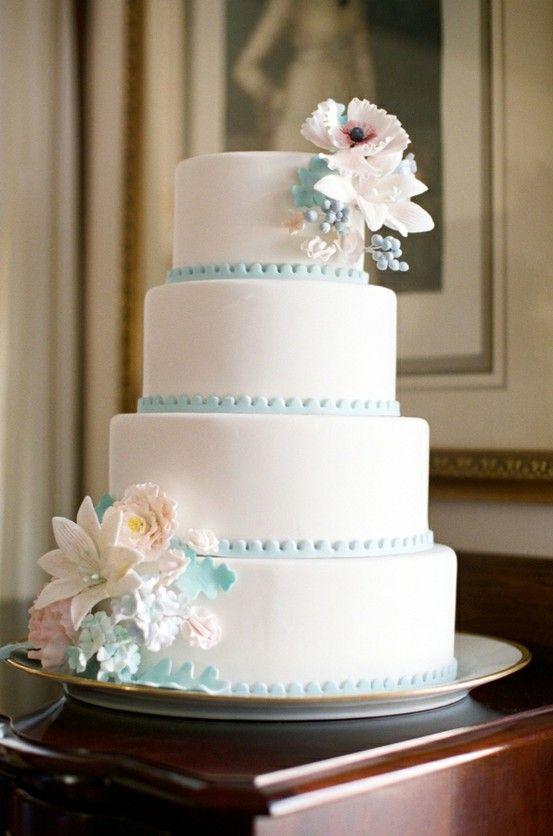 SUPER chic vintage-esque cakes...you could easily do this in buttercream with a simple piped border and flowers... Vintage-Inspired-Wedding-Cake-Tiffany-Blue-Trim