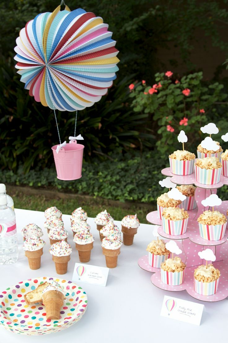 So pretty and pink! Our polkadot cupcake stand and DIY hot air balloon float together so perfectly!