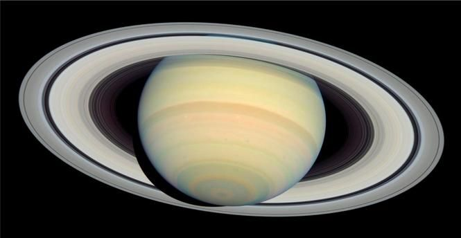 Venus and Saturn have a close encounter next weekend.