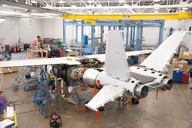 PICTURES: Cessna parent Textron pushes new strike jet