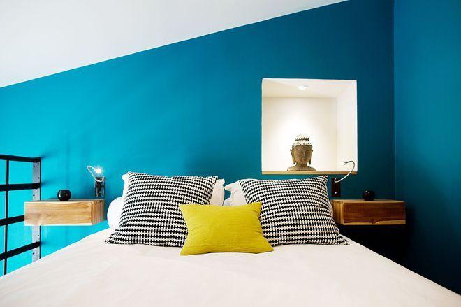 Un mur bleu turquoise pour tête de lit