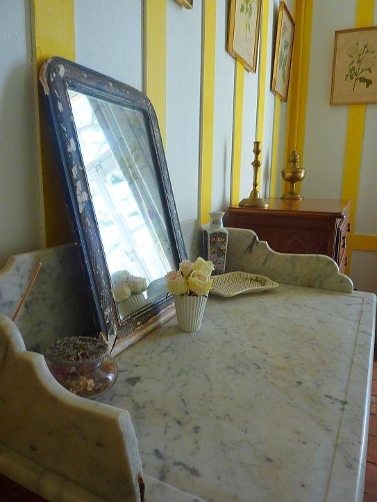 Détails de la chambre de la Sellerie au #chateau de Chambiers dans notre #gite l'Orangerie !   http://www.chateauchambiers.com/gites-cottages-angers-maison-hotes-loire/
