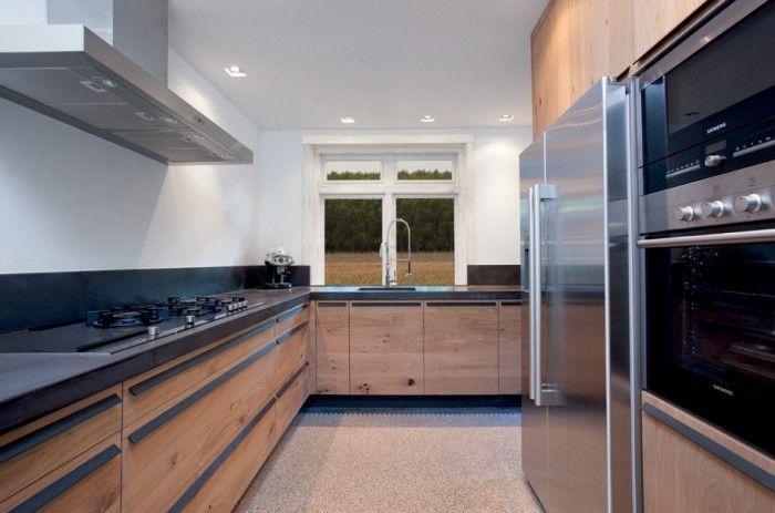 Wandplank Keuken Landelijk : houten-keuken-met-lange-zwarte-greep.1401392085-van-Liesje-e.jpeg 700