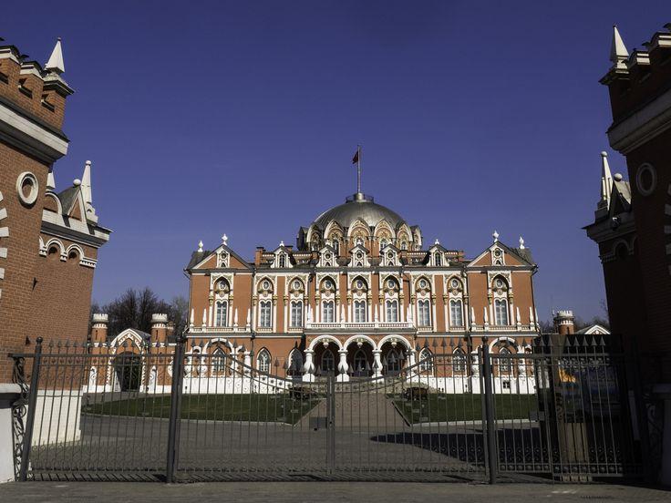 Petroff Palace by Alexander Polomodov on 500px
